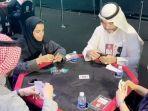 permainan-kartu-baloot-perempuan-main-kartu.jpg