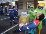 petugas-medis-melakukan-tes-pcr-kepada-pekerja-di-kilang-pertamina-cilacap-sabtu-592020.jpg