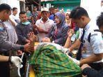 petugas-puskesmas-jatilawang-merujuk-pasien-odgj-di-desa-tunjung-kecamatan-jatilawang.jpg