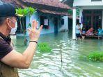 plt-bupati-kudus-hartopo-mengecek-banjir-di-desa-setrokalangan-kecamatan-kaliwungu-kudus.jpg