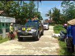 polsek-gombong-kebumen-sosialisasi-corona-dengan-mobil-patroli.jpg