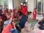 relawan-pmi-banjarnegara-melakukan-pendampingan-psikologi-kepada-korban-tanah-gerak-pagentan.jpg