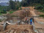 sejumlah-pekerja-merampungkan-pembangunan-jalan-lingkar-utara-kebumen-selasa-2992020.jpg