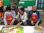 sejumlah-warga-asimilasi-ikut-memasak-pada-kegiatan-dapur-umum.jpg