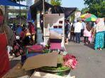 seorang-pedagang-pecel-di-pasar-minggon-gor-satria-purwokerto-minggu-1532020.jpg
