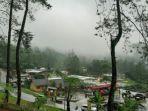 suasana-kawasan-objek-wisata-pemandian-air-panas-guci-kecamatan-bumijawa-kabupaten-tegal.jpg