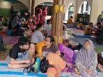 suasana-pengungsian-di-masjid-al-karomah-kecamatan-tirto-kota-pekalongan-minggu-722021.jpg