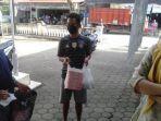 tiga-pemilik-warung-di-petanahan-kebumen-membawa-makanan-ke-polsek-petanahan-sabtu-912021.jpg