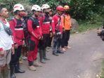 tim-gabungan-melakukan-pencarian-orang-yang-hilang-di-desa-tlogopakis-kabupaten-pekalongan.jpg
