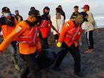 tim-sar-gabungan-temukan-jenazah-nelayan-yang-hilang-di-kebumen-senin-4102021.jpg