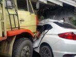 truk-menabrak-mobil-sedan-serta-toko-roti-di-jalan-pantura-pemalang-kamis-142021.jpg