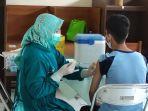 vaksinasi-covid-19-kepada-siswa-smp-negeri-9-purwokerto-banyumas-jumat-392021.jpg