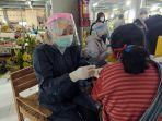 vaksinasi-pasar-wisata-tawangmangu.jpg