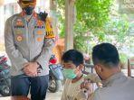 vaksinasi-pedagang-dan-nelayan-di-rawa-pening-kabupaten-semarang.jpg