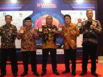 wakil-wali-kota-tegal-muhamad-jumadi-raih-top-it-digital-awards-2020-selasa-22122020.jpg