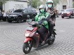 wali-kota-semarang-hendrar-prihadi-naik-transportasi-online.jpg