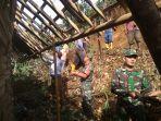 warga-dan-relawan-kerja-bakti-membersihkan-material-longsor.jpg