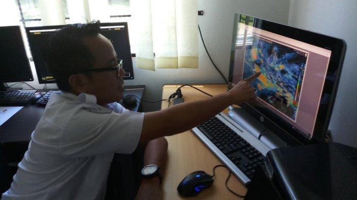 BMKG Prediksi Hujan Lokal Terjadi di Pulau Karimun Besar, Suhu Udara Maksimal 34 Derajat Celcius