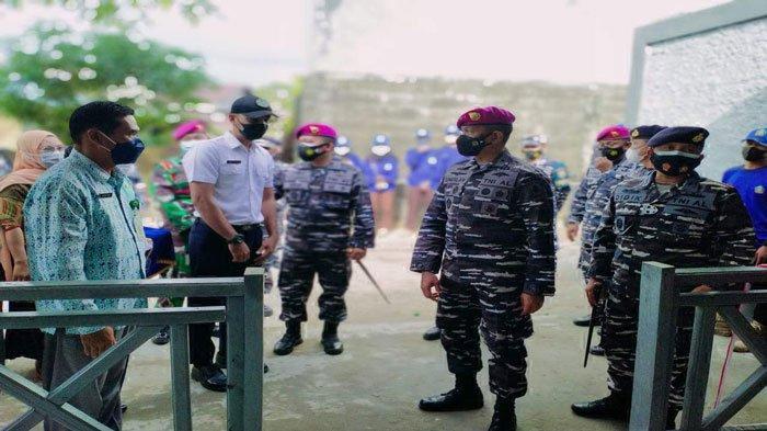 Brigjen TNI Suherlan Resmikan Hasil Bedah Rumah PHL Lanal Dabo Singkep di Lingga