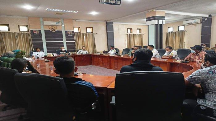 DPRD Karimun Terima 7 Aspirasi, Guru Honorer Siap Gaji Dipotong Asal Jangan Dirumahkan