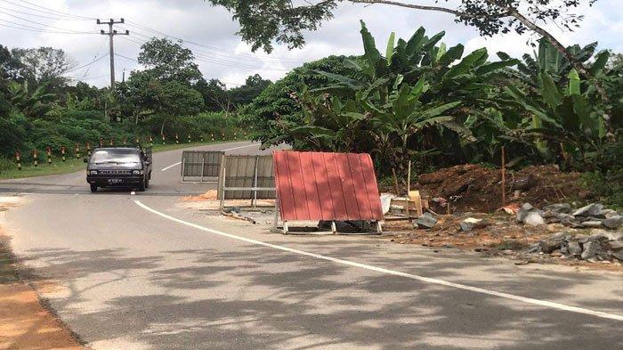 2 Tahun Rusak, Jalan di KM 25 Toapaya Asri Bintan Akhirnya Diperbaiki Pemerintah