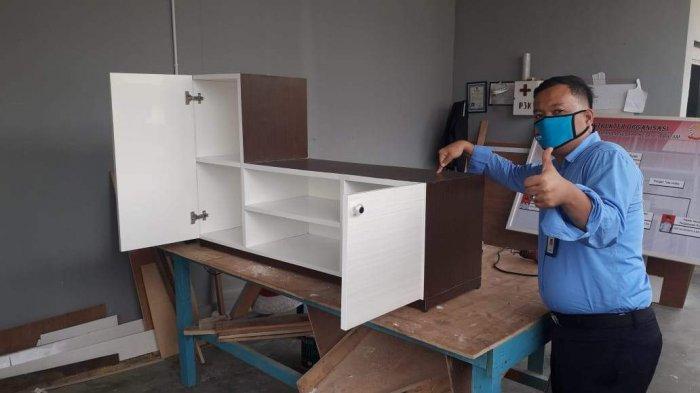 Hasil produksi dari bengkel furniture Rutan Kelas IIA Barelang Batam.