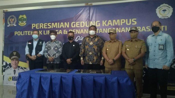 Rachmat Gobel Resmikan Gedung Kampus Politeknik Lingga