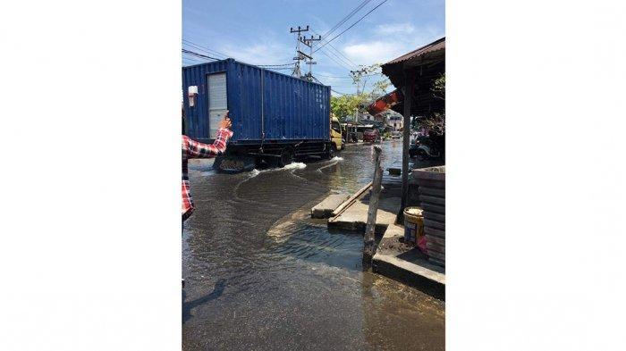 Banjir Rob di Bintan Genangi Kawasan Pelabuhan Bulang Linggi, Pengendara Cari Jalan Lain