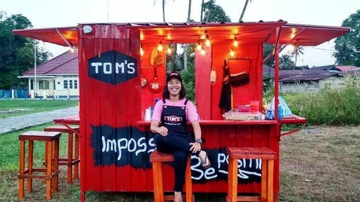 Dari Jualan Sosis Bakar, Ema Lulus Sarjana hingga Jadi Bos Cafe Kuliner di Lingga