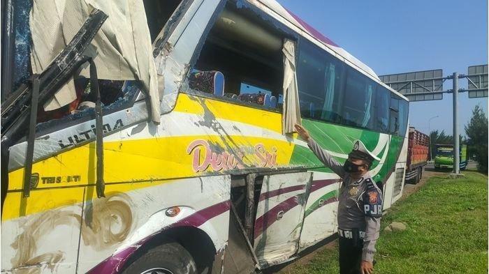 Kecelakaan Maut Bus Dewi Sri Akibat Sopir Ngantuk, Bus Terbalik 1 Orang Tewas