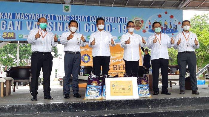 bright PLN Batam Serahkan 2.500 Paket Beras Bantuan PPKM Level IV untuk Warga Batam