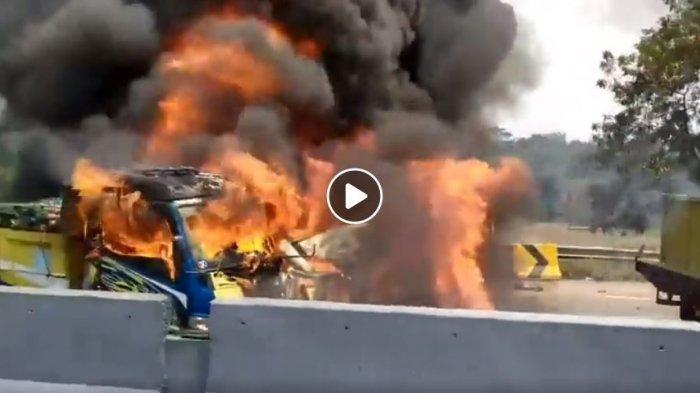 Detik-detik Tabrakan Maut 21 Mobil di Tol Cipularang dari Saksi Mata, VIDEO dan KRONOLOGI