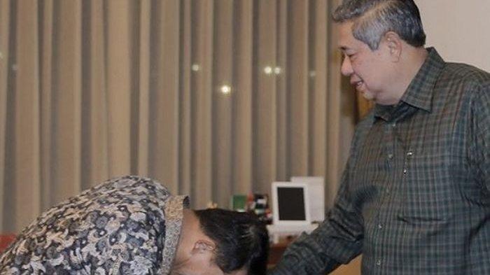 Beredar Foto Moeldoko Cium Tangan SBY, Sempat Ucap Mantan Atasan, Marzuki Alie Bantah Ada Kudeta