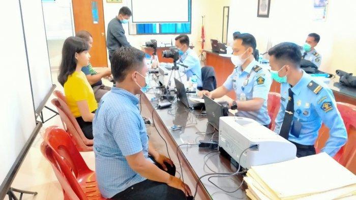 Kantor Imigrasi Kelas I Khusus TPI Batam melakukan jemput bola pelayanan paspor dengan eazy passport kepada jemaat HKBP, Kamis (3/6/2021)