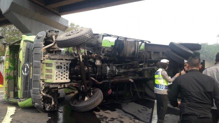 Kecelakaan Tol Cipularang,Sebelum Truk Terguling,Sopir Dump Truk Sempat Keluhkan Rem Blong