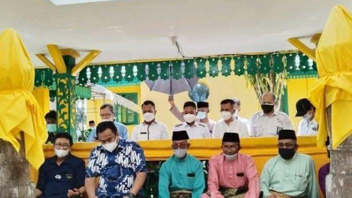 Muhammad Nizar-Neko Ajak Rachmat Gobel Ziarah ke Makam Sultan Mahmud Riayat Syah