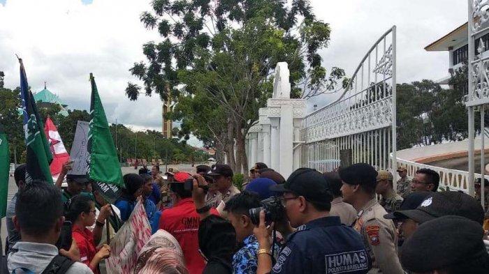 Mahasiswa Kelompok Cipayung Protes Wali Kota Batam Jadi Kepala BP Batam