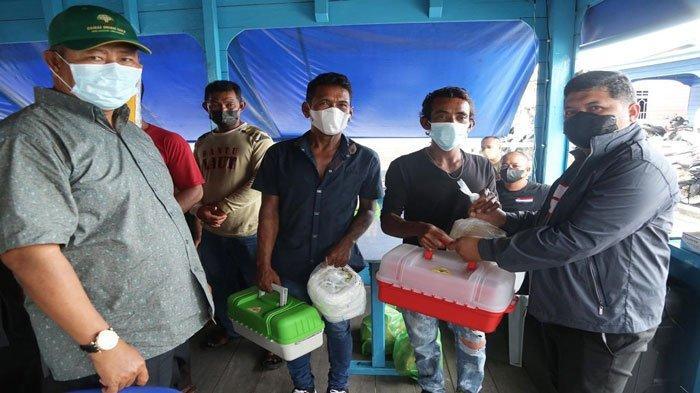 Nelayan Desa Sri Tanjung Gembira, Dapat Bantuan Alat Tangkap Dari Pemda Anambas