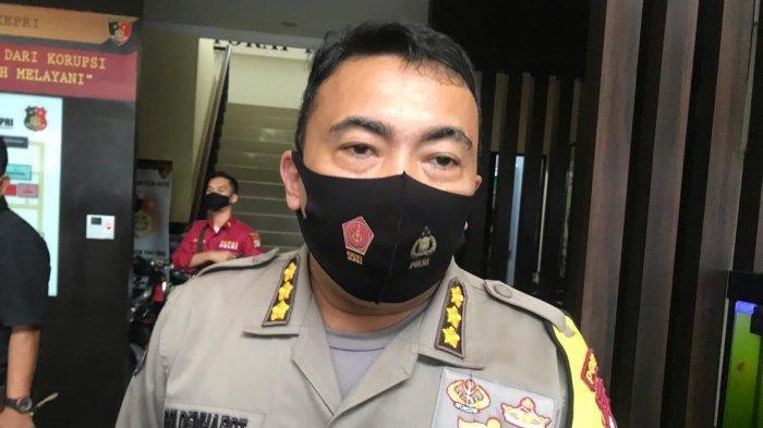 Simpan Setengah Kg Sabu dan Ribuan Pil Ekstasi di Kamar Hotel, 2 Pria Ditangkap Polda Kepri
