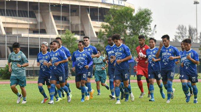 Prediksi Susunan Pemain Persis vs Persib Bandung, Robert Rene Alberts Duetkan Luiz & Castillion