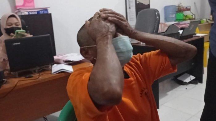 Pelaku pencabulan anak di bawah umur, I (52) di Pinrang menangis dan mengaku menyesal dengan perbuatannya. Ilustrasi