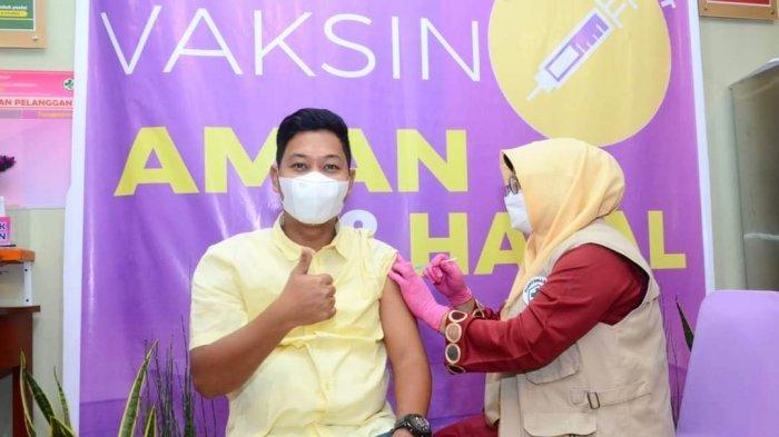 Wakil Bupati Lingga Jalani Vaksinasi Corona Dosis 2, Neko Ajak Warga Basmi Covid-19