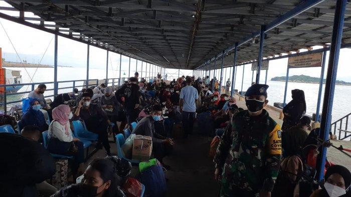 Jelang Larangan Mudik Lokal di Kepri, Pelabuhan SBP Tanjungpinang Dipadati Penumpang