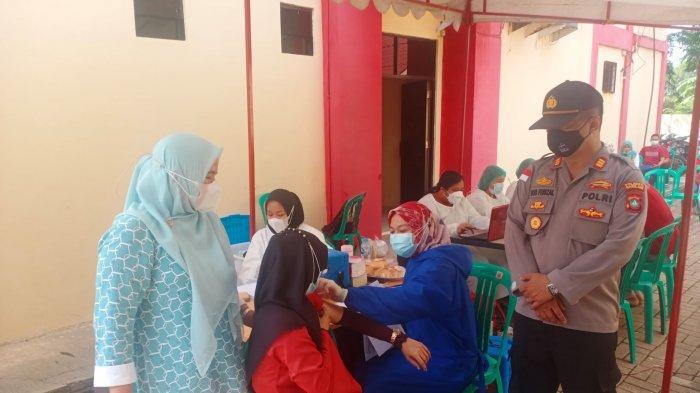 250 Warga Bengkong Disuntik Vaksin AstraZeneca