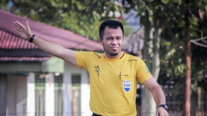 Kisah Pelatih Sepak Bola di Lingga Kembangkan Generasi Penerus Tanpa Pamrih