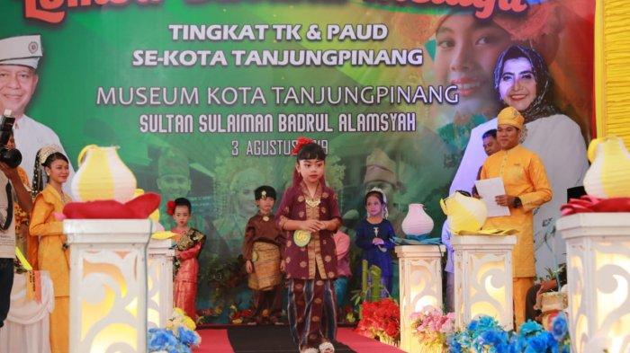 Pakai Pakaian Melayu, Anak Paud dan Taman Kanak-kanak Dapat Pujian Istri Wali Kota Tanjungpinang