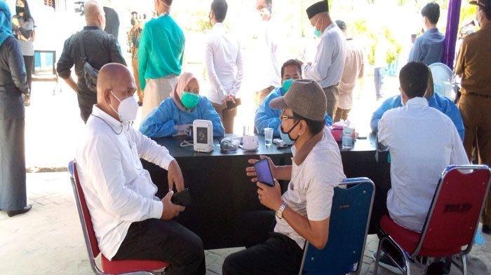 Ikut Kunker Bupati, Anggota DPRD Natuna Pantau Jalannya Vaksinasi Covid-19