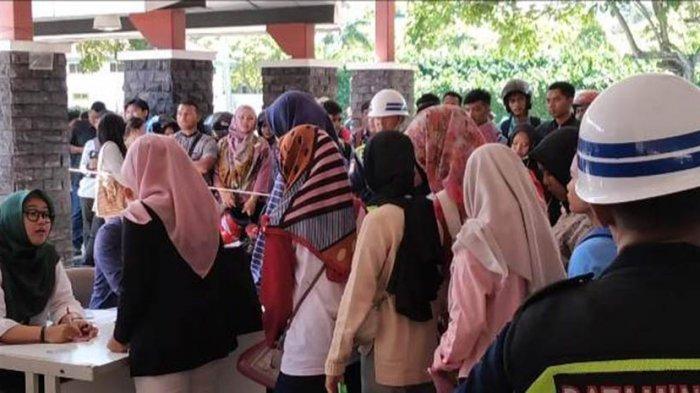 BERBURU Lowongan Kerja di Awal Tahun, Para Pencari Kerja Padati MPH Batamindo