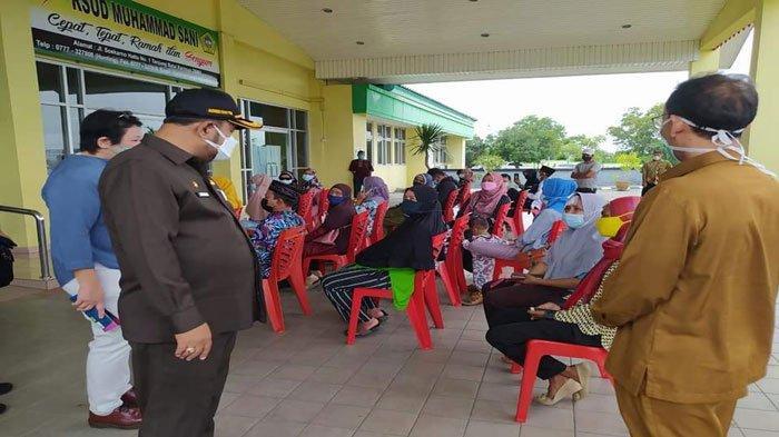 Bupati Karimun Sidak ke RSUD Muhammad Sani, Masih Temukan Dokter Datang Terlambat