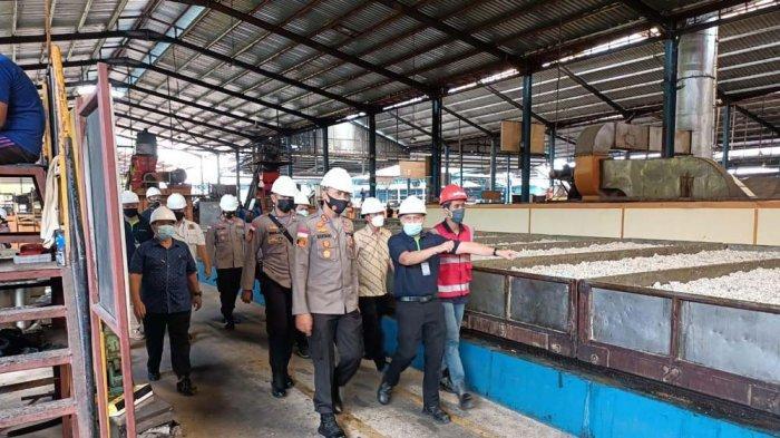 PT Pulau Bintan Jaya Ekspor 1.300 Ton Karet ke Belanda, Jepang, dan Mesir